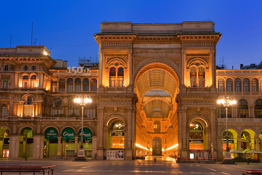 Europe, Italy, Lombardy, Milan, Night, beautiful, color, Duomo, square