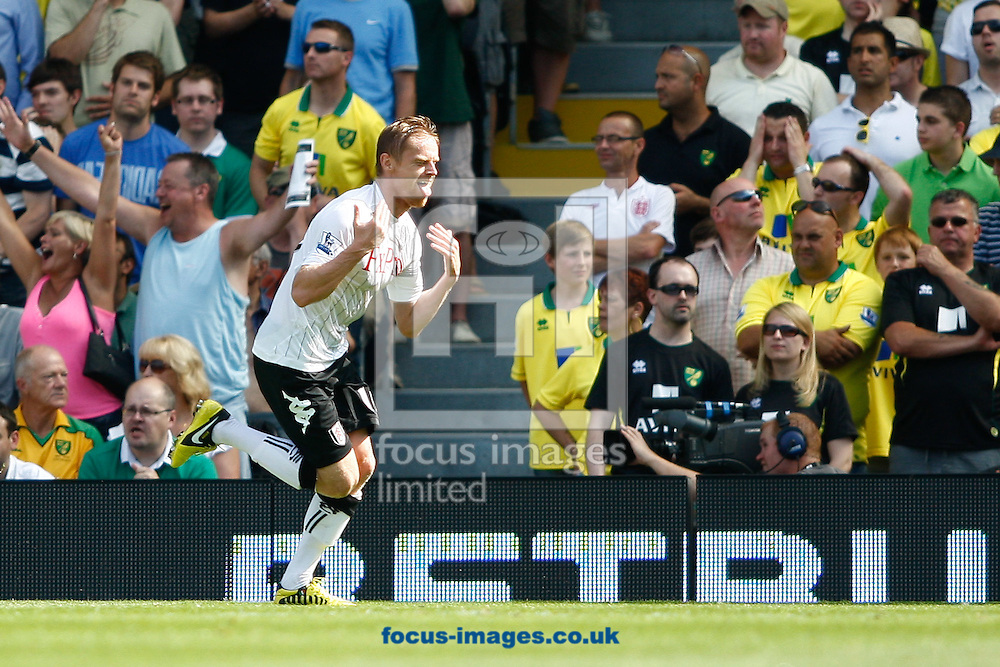 Picture by Andrew Tobin/Focus Images Ltd +44 7710 761829.18/08/2012. Damien Duff of Fulham celebrates after scoring his first goal during the Barclays Premier League match at Craven Cottage, London.