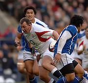2005 Rugby, Investec Challenge, England vs Manu Samoa, Steve Thompson finds the gap at England attack Samoa at the RFU stadium Twickenham, ENGLAND:     26.11.2005   © Peter Spurrier/Intersport Images - email images@intersport-images..