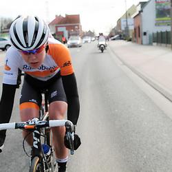 28-02-2015: Wielrennen: Omloop het Nieuwsblad: Gent<br />GENT (Bel): De omloop het Nieuwsblad is de openingskoers in BeNeLux.  De wedstrijd door de Vlaamse Ardennen is bij de mannen dit jaar aan zijn 70e editie toe.Anna van der Breggen wint de 10e editie van de vrouwenomloop het Nieuwsblad