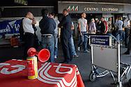 Fiumicino, 15/09/2008: Aereoporto di Fiumicino, piloti e assistenti di volo protestano davanti al varco equipaggi..©Andrea Sabbadini