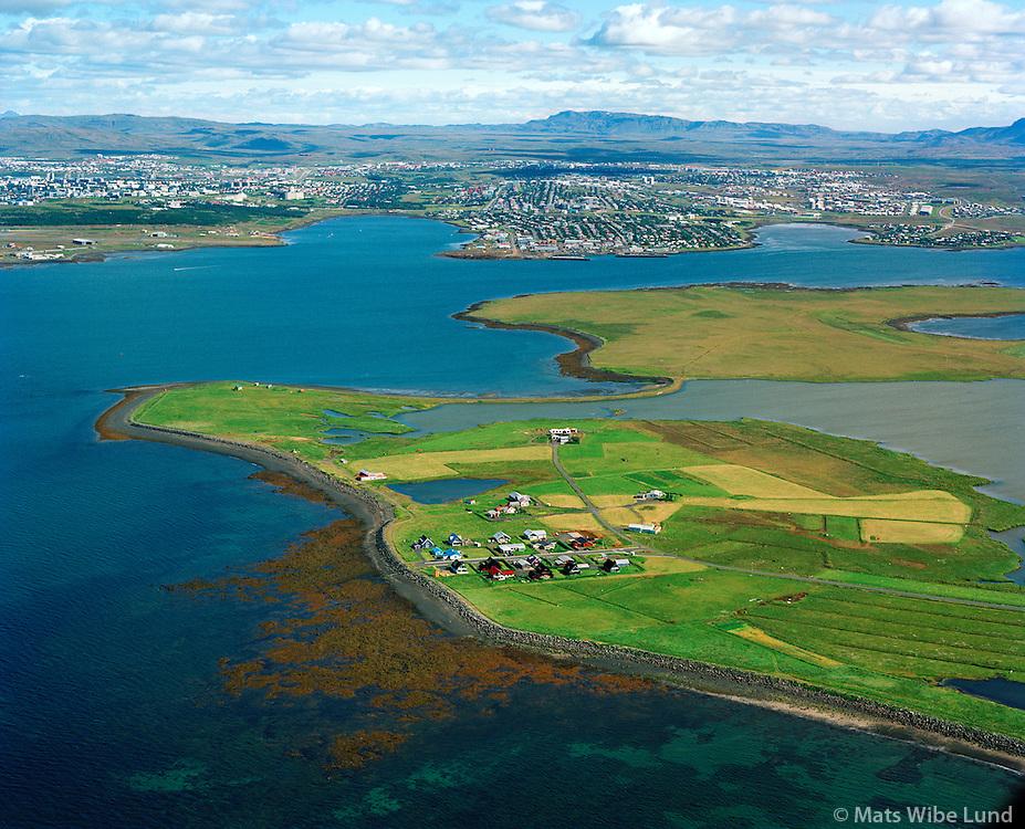 Álftanes (að hluta) séð til norðausturs / Alftanesa viewing east Bessastadir in background.