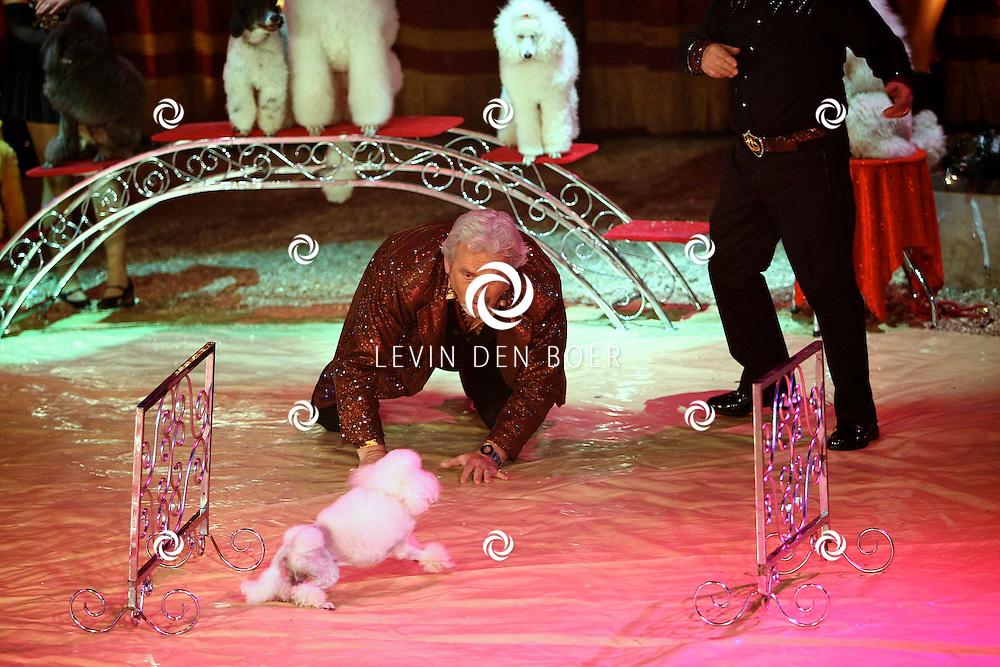 HELMOND - In de tent van Circus Herman Renz werden de opnames van de RTL4 KidsRights KerstSterrenCircus opgenomen. Met op de foto Ernst Daniel Smid. FOTO LEVIN DEN BOER / PERSFOTO.NU