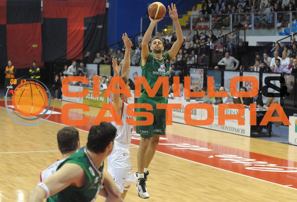 DESCRIZIONE : Biella Lega A 2011-12 Angelico Biella Montepaschi Siena<br /> GIOCATORE : Tomas Ress<br /> SQUADRA :  Montepaschi Siena<br /> EVENTO : Campionato Lega A 2011-2012 <br /> GARA : Angelico Biella  Montepaschi Siena<br /> DATA : 30/10/2011<br /> CATEGORIA : Tiro<br /> SPORT : Pallacanestro <br /> AUTORE : Agenzia Ciamillo-Castoria/ L.Goria<br /> Galleria : Lega Basket A 2011-2012  <br /> Fotonotizia : Biella Lega A 2011-12 Angelico Biella Montepaschi Siena<br /> Predefinita :