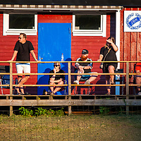 2020-08-12   Jönköping, Sverige: Publik bevakar på behörigt avstånd under kvartsfinalmatchen i Toyota Cup mellan Mariebo och Vimmerby på Junebäckens IP ( Foto av: Marcus Vilson   Swe Press Photo )<br /> <br /> Nyckelord: Jönköping, Fotboll, Toyota Cup, Junebäckens IP, Mariebo, Vimmerby, mvmv200812