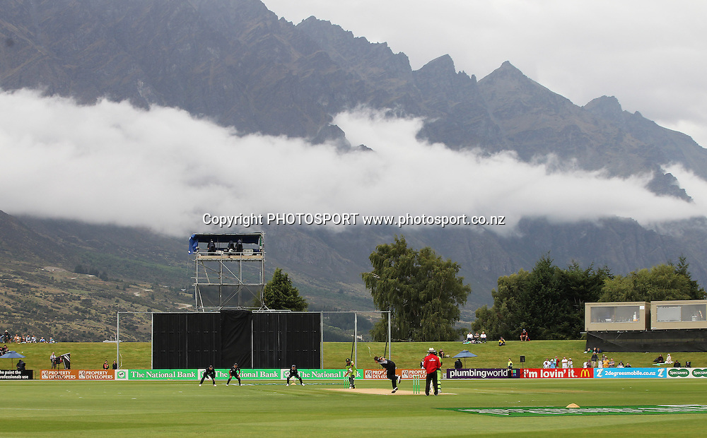 A General view of play against the backdrop of the Remarkables Mountain Range at the Queenstown Events Centre. 2nd ODI, Black Caps v Pakistan, One Day International Cricket. Queenstown, New Zealand. Wednesday 26  January 2011. Photo: Andrew Cornaga/photosport.co.nz