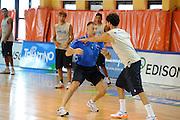 DESCRIZIONE : Folgaria Allenamento Raduno Collegiale Nazionale Italia Maschile <br /> GIOCATORE : Cuzzolin<br /> CATEGORIA : preparatore<br /> SQUADRA : Nazionale Italia <br /> EVENTO :  Allenamento Raduno Folgaria<br /> GARA : Allenamento<br /> DATA : 20/07/2012 <br /> SPORT : Pallacanestro<br /> AUTORE : Agenzia Ciamillo-Castoria/GiulioCiamillo<br /> Galleria : FIP Nazionali 2012<br /> Fotonotizia : Folgaria Allenamento Raduno Collegiale Nazionale Italia Maschile <br />  Predefinita :