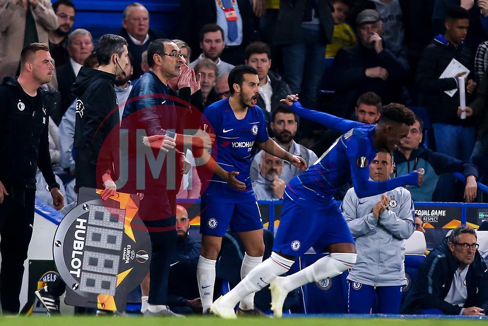 Chelsea manager Maurizio Sarri looks angry as Callum Hudson-Odoi of Chelsea replaces Pedro of Chelsea - Mandatory by-line: Robbie Stephenson/JMP - 18/04/2019 - FOOTBALL - Stamford Bridge - London, England - Chelsea v Slavia Prague - UEFA Europa League Quarter Final 2nd Leg