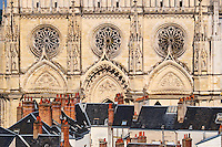 France, Region Centre-Val de Loire, Loiret (45), Orléans, la facade de la cathédrale Sainte-Croix // France, Loiret, Orleans, Sainte-Croix cathedral