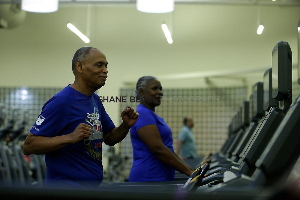 11/8/17 7:37:48 PM --  Charles and Shonda at Healthzone at SFHS. <br /> <br /> Photo by Shane Bevel