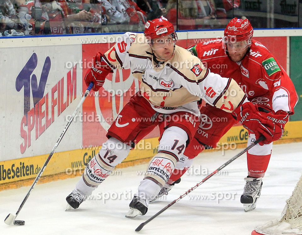 09.10.2011, Lanxess-Arena, Köln, GER, DEL, Koelner Haie vs Hannover Scorpions, im Bild.Martin Hlinka (Hannover #14) gegen Jonathan D'Aversa (Koeln #28)..// during the DEL, Koelner Haie vs Hannover Scorpions on 2011/10/09, Lanxess-Arena, Köln, Germany. EXPA Pictures © 2011, PhotoCredit: EXPA/ nph/  Mueller       ****** out of GER / CRO  / BEL ******