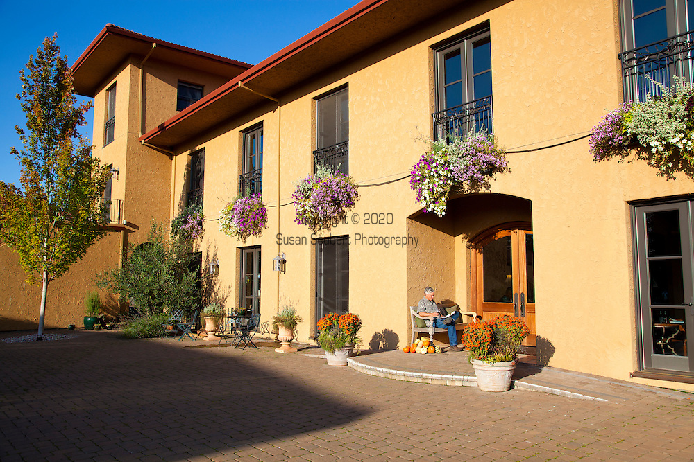 The Black Walnut Inn, a Bed and Breakfast and winery in the heart of Oregon's Wine Country