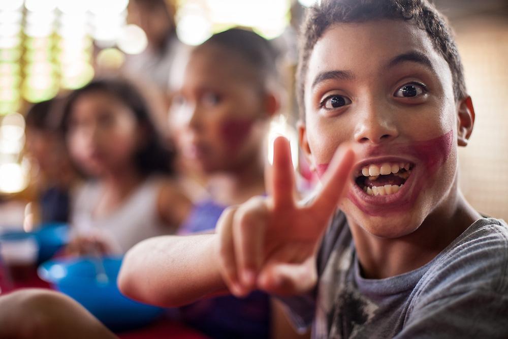 Niños del Barrio San Miguel de La Vega disfrutan del Sancocho Familiar organizado por los jóvenes del programa Casa Universitaria Padre Alberto Hurtado (CUPAH). Caracas, Nov. 16, 2013 (Foto/Ivan Gonzalez)