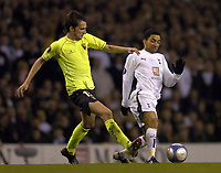 Photo: Olly Greenwood.<br />Tottenham Hotspur v FC Braga. UEFA Cup. 14/03/2007. Spurs Aaron Lennon and Braga's Wender