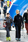 Princess Elena and daughter sky Skiing