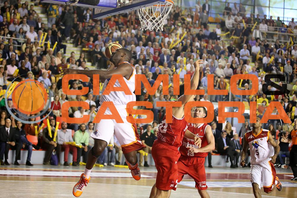 DESCRIZIONE : Roma Lega A 2012-2013 Acea Roma Trenkwalder Reggio Emilia playoff quarti di finale gara 5<br /> GIOCATORE : Bobby Jones <br /> CATEGORIA : rtiro<br /> SQUADRA : Acea Roma<br /> EVENTO : Campionato Lega A 2012-2013 playoff quarti di finale gara 5<br /> GARA : Acea Roma Trenkwalder Reggio Emilia<br /> DATA : 17/05/2013<br /> SPORT : Pallacanestro <br /> AUTORE : Agenzia Ciamillo-Castoria/ElioCastoria<br /> Galleria : Lega Basket A 2012-2013  <br /> Fotonotizia : Roma Lega A 2012-2013 Acea Roma Trenkwalder Reggio Emilia playoff quarti di finale gara 5<br /> Predefinita :