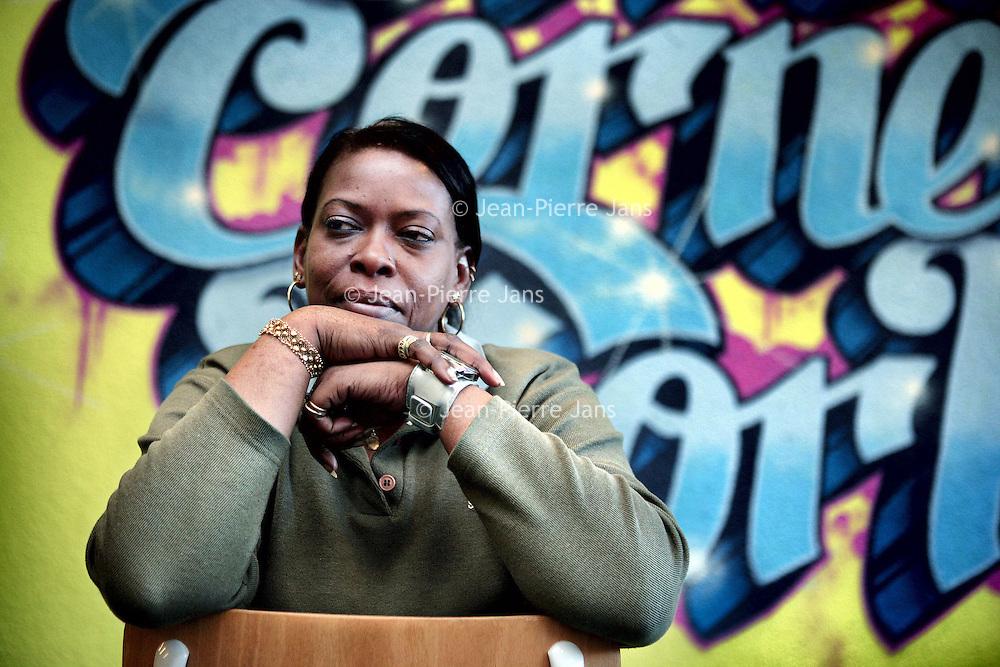 Nederland, Amsterdam , 8 december 2009..Esther Macharius, veldwerker bij Stichting Streetcornerwork ZuidOost..Foto:Jean-Pierre Jans