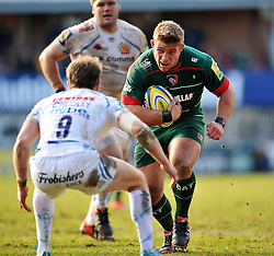 Tom Youngs of Leicester Tigers faces off against Will Chudley of Exeter Chiefs - Photo mandatory by-line: Patrick Khachfe/JMP - Mobile: 07966 386802 28/03/2015 - SPORT - RUGBY UNION - Leicester - Welford Road - Leicester Tigers v Exeter Chiefs - Aviva Premiership