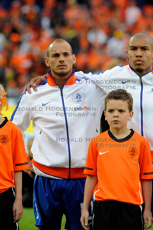01-06-2010 VOETBAL: NEDERLAND - GHANA: ROTTERDAM<br /> Nederland wint vrij eenvoudig de oefenwedstrijd van Ghana / Wesley Sneijder, Nigel de Jong <br /> &copy;2010-WWW.FOTOHOOGENDOORN.NL
