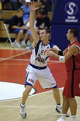 16-09-2006 BASKETBAL: NEDERLAND - ALBANIE: NIJMEGEN<br /> De basketballers hebben ook hun vierde wedstrijd in de kwalificatiereeks voor het Europees kampioenschap in winst omgezet. In Nijmegen werd een ruime overwinning geboekt op Albanie: 94-55 / Kees Akerboom<br /> ©2006-WWW.FOTOHOOGENDOORN.NL