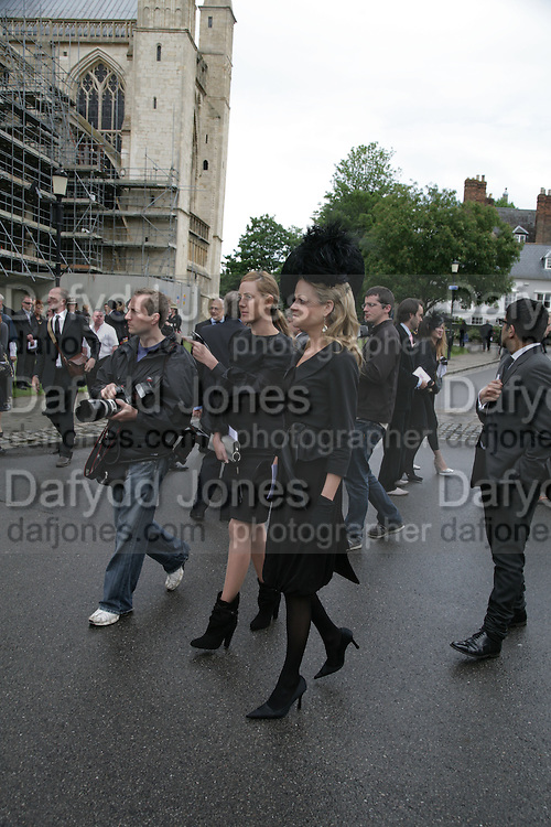 Lady Eloise Anson, Funeral for Isabella Blow. Gloucester Cathedral. 15 May 2007.  -DO NOT ARCHIVE-© Copyright Photograph by Dafydd Jones. 248 Clapham Rd. London SW9 0PZ. Tel 0207 820 0771. www.dafjones.com.