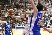 DESCRIZIONE : Campionato 2014/15 Giorgio Tesi Group Pistoia - Acqua Vitasnella Cantù<br /> GIOCATORE : Filloy Ariel<br /> CATEGORIA : Passaggio Penetrazione<br /> SQUADRA : Giorgio Tesi Group Pistoia<br /> EVENTO : LegaBasket Serie A Beko 2014/2015<br /> GARA : Giorgio Tesi Group Pistoia - Acqua Vitasnella Cantù<br /> DATA : 30/03/2015<br /> SPORT : Pallacanestro <br /> AUTORE : Agenzia Ciamillo-Castoria/S.D'Errico<br /> Galleria : LegaBasket Serie A Beko 2014/2015<br /> Fotonotizia : Campionato 2014/15 Giorgio Tesi Group Pistoia - Acqua Vitasnella Cantù<br /> Predefinita :
