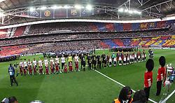 28.05.2011, Wembley Stadium, London, ENG, UEFA CHAMPIONSLEAGUE FINALE 2011, FC Barcelona (ESP) vs Manchester United (ENG), im Bild die beiden Mannschaften vor dem Spiel, Übersicht über das Wembley Stadion., EXPA Pictures © 2011, PhotoCredit: EXPA/ InsideFoto/ Paolo Nucci *** ATTENTION *** FOR AUSTRIA AND SLOVENIA USE ONLY!