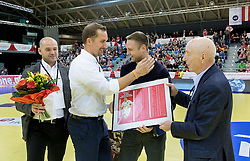 02.11.2016, Arena Nova, Wiener Neustadt, AUT, EHF, Handball EM Qualifikation, Österreich vs Finnland, Gruppe 3, im Bild v.l. Generalsekretär Martin Hausleitner (ÖHB), Patrick Foelser (ÖHB), Vytautas Ziura (AUT), Präsident Gerhard Hofbauer (ÖHB)// during the EHF Handball European Championship 2018, Group 3, Qualifier Match between Austria and Finland at the Arena Nova, Wiener Neustadt, Austria on 2016/11/02. EXPA Pictures © 2016, PhotoCredit: EXPA/ Sebastian Pucher