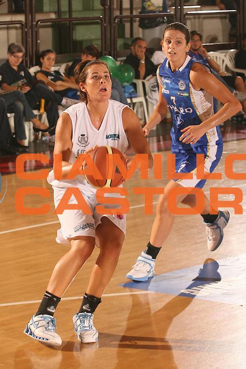 ESCRIZIONE : Cagliari Lega A1 Femminile 2006-07 Prima Giornata New Wash Montigarda Phard Napoli <br /> GIOCATORE : Fazio Melissa <br /> SQUADRA : New Wash Montigarda <br /> EVENTO : Campionato Lega A1 2006-2007 Prima Giornata <br /> GARA : New Wash Montigarda Phard Napoli <br /> DATA : 07/10/2006 <br /> CATEGORIA : Tiro <br /> SPORT : Pallacanestro <br /> AUTORE : Agenzia Ciamillo-Castoria/S.D'Errico