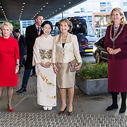 NLD/Den Haag/20181024 - Prinses Akishino en prinses Margriet openen 49th Union World Conference on Lung Health, Prinses Akishino en prinses Margriet en Burgermeester Pauline Krikke