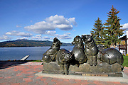"""USA, Idaho, McCall, """"The Bearing Wall"""" sculpture by Dan Ostermiller in downtown overlooking Lake Payette"""