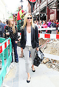 20.JUNE.2011. LONDON<br /> <br /> KATE MOSS OUT AND ABOUT IN CENTRAL LONDON.<br /> <br /> BYLINE: EDBIMAGEARCHIVE.COM<br /> <br /> *THIS IMAGE IS STRICTLY FOR UK NEWSPAPERS AND MAGAZINES ONLY*<br /> *FOR WORLD WIDE SALES AND WEB USE PLEASE CONTACT EDBIMAGEARCHIVE - 0208 954 5968*