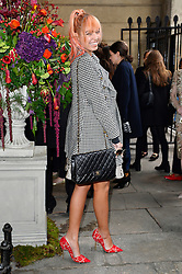 © Licensed to London News Pictures. 20/02/2016. AMBER LE BON arrives at the JULIEN MACDONALD Autumn/Winter 2016 show. Models, buyers, celebrities and the stylish descend upon London Fashion Week for the Autumn/Winters 2016 clothes collection shows. London, UK. Photo credit: Ray Tang/LNP