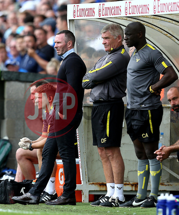 Oxford United manager Michael Appleton - Mandatory by-line: Robbie Stephenson/JMP - 14/08/2016 - FOOTBALL - Memorial Stadium - Bristol, England - Bristol Rovers v Oxford United - Sky Bet League One