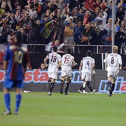 03-03-2007 VOETBAL: SEVILLA FC - BARCELONA: SEVILLA  <br /> Sevilla wint de topper met Barcelona met 2-1 / Sevilla komt op 1-1 en viert zijn feestje met de supporters met oa Poulsen, Marti, Alves en Navas<br /> &copy;2006-WWW.FOTOHOOGENDOORN.NL