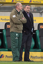 19.11.2011, BorussiaPark, Mönchengladbach, GER, 1.FBL, Borussia Mönchengladbach vs SV Werder Bremen, im BildThomas Schaaf (Trainer Werder Bremen) (L) und Klaus Allofs (Geschaeftsfuehrer Profifussball Werder Bremen) // during the 1.FBL, Borussia Mönchengladbach vs Werder Bremen on 2011/11/19, BorussiaPark, Mönchengladbach, Germany. EXPA Pictures © 2011, PhotoCredit: EXPA/ nph/ Mueller..***** ATTENTION - OUT OF GER, CRO *****
