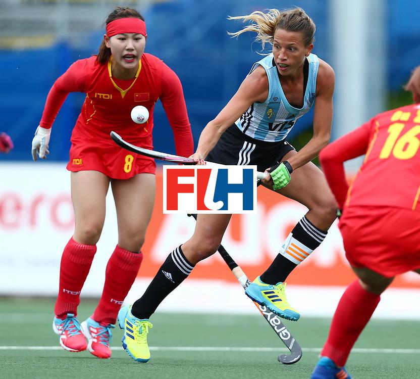 New Zealand, Auckland - 18/11/17  <br /> Sentinel Homes Women&rsquo;s Hockey World League Final<br /> Harbour Hockey Stadium<br /> Copyrigth: Worldsportpics, Rodrigo Jaramillo<br /> Match ID: 10294 - ARG vs CHN<br /> Photo: (12) MERINO Delfina against (8) ZHOU Yu and (16) OU Zixia&nbsp;(C)