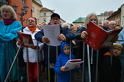 May 3, 2019 - Krakow, Poland - Hundreds of people attend the 72n 'Lesson of Singing' on 'Little Market Square' in Krakow during the May 3rd Constitution Day. .On Friday, May 5, 2019, in Krakow, Poland. (Credit Image: © Artur Widak/NurPhoto via ZUMA Press)