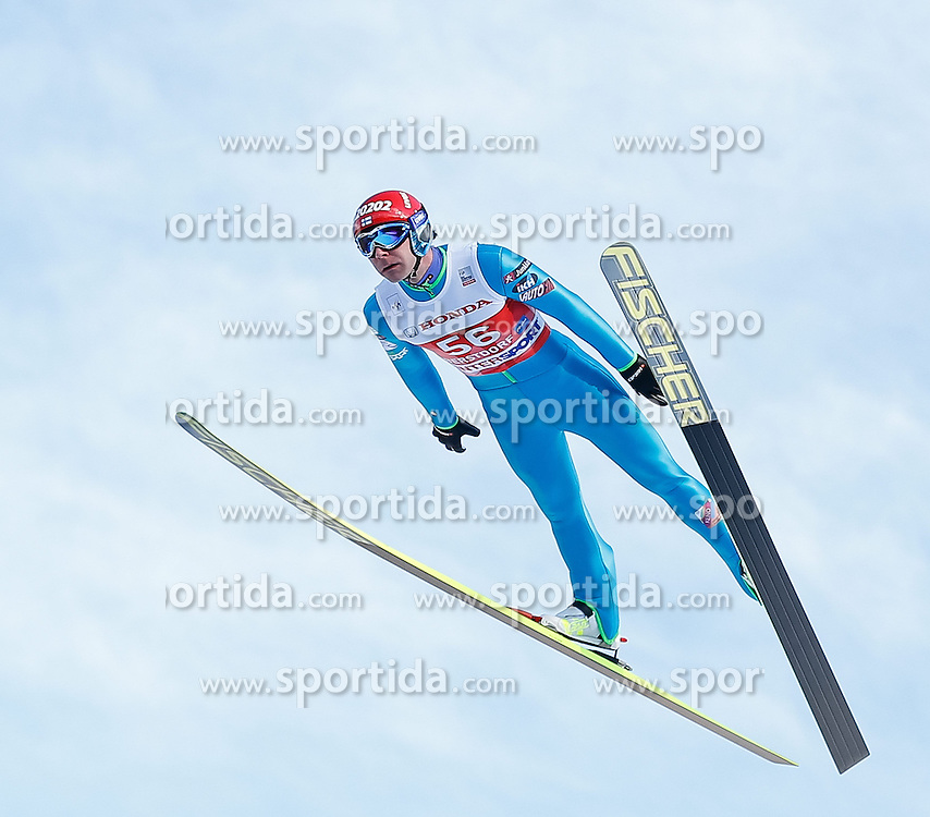 28.12.2013, Schattenbergschanze, Oberstdorf, GER, FIS Ski Sprung Weltcup, 62. Vierschanzentournee, Training, im Bild Janne Ahonen (FIN) // Janne Ahonen of Finland during practice Jump of 62th Four Hills Tournament of FIS Ski Jumping World Cup at the Schattenbergschanze, Oberstdorf, Germany on 2013/12/28. EXPA Pictures © 2013, PhotoCredit: EXPA/ Peter Rinderer