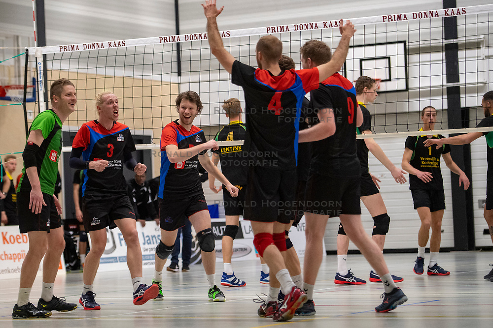 13-04-2019 NED: Prima Donna Kaas Huizen - Spaarnestad , Huizen<br /> Huizen win the match 3-2 and is the champion of the second division C / Michiel Bosman #5 of Spaarnestad, 	Jonne Pilon #10 of Spaarnestad