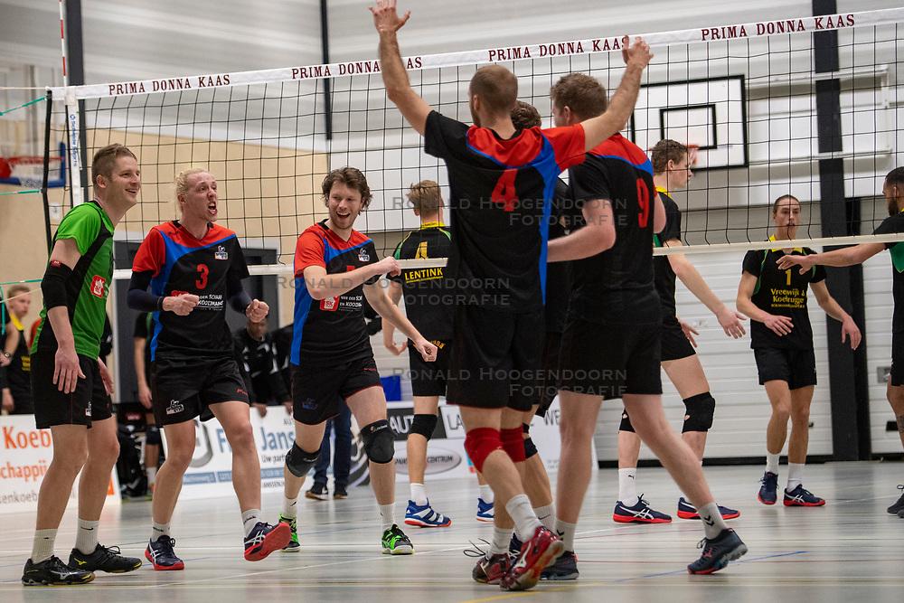 13-04-2019 NED: Prima Donna Kaas Huizen - Spaarnestad , Huizen<br /> Huizen win the match 3-2 and is the champion of the second division C / Michiel Bosman #5 of Spaarnestad, Jonne Pilon #10 of Spaarnestad