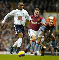 Photo: Ed Godden.<br /> Tottenham Hotspur v Aston Villa. The Barclays Premiership. 26/12/2006. Spurs' Jermain Defoe surges forward with the ball.