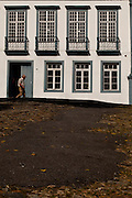 Santa Luzia_MG, Brasil...A cidade Santa Luzia, possui o Titulo de Cidade Imperial e preserva um valioso acervo historico onde se concentra um belo e expressivo conjunto arquitetonico dos seculos XVIII E XIX. Na foto, o Solar da Baronesa, a maior residencia em estilo Barroco do municipio de Santa Luzia, Minas Gerais...Santa Luzia city, An imperial city with architectural complex in Santa Luzia, Minas Gerais. In this photo Solar Baronesa, the bigest colonial house in the city...Foto: LEO DRUMOND / NITRO