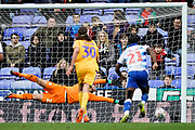 Goal, Modou Barrow of Reading scores the equaliser, Reading 2-2 Wigan Athletic during the EFL Sky Bet Championship match between Reading and Wigan Athletic at the Madejski Stadium, Reading, England on 9 March 2019.