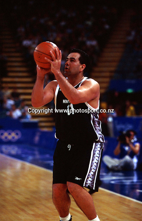 Pero Cameron during the Men's basketball match between the New Zealand Tall Blacks and France at the Olympics in Sydney, Australia on 17 September, 2000. Photo: PHOTOSPORT<br />