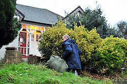 © Licensed to London News Pictures. 06/01/2016<br /> Forensic police arriving to search the house and garden.<br /> Ex-Eastenders actress Sian Blake's home in Erith,Kent has turned into a crime scene (06.01.2016) with officers from the Met's Homicide and Major Crime Command leading the murder investigation.<br /> <br /> (Byline:Grant Falvey/LNP)