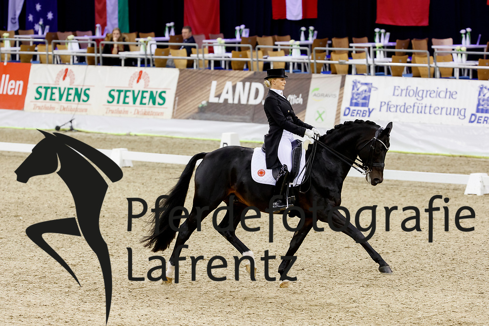 Bredow-Werndl, Jessica (GER) Unee BB<br /> Oldenburg - AGRAVIS Cup 2017<br /> &copy; www.sportfotos-lafrentz.de/Stefan Lafrentz