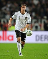 FUSSBALL  INTERNATIONAL  EM 2012  QUALIFIKATION  Deutschland - Belgien                              11.10.2011 Benedikt HOEWEDES (Deutschland) Einzelaktion am Ball