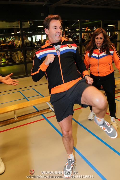 NLD/Amstelveen/20120502 - Lorenzo Lamas geeft boksles, Gerard Joling en Patty Brard