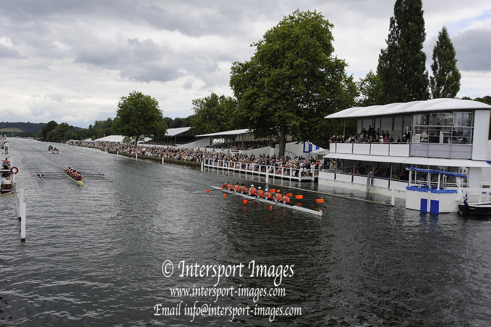Henley, Great Britain.  Henley Royal Regatta. River Thames,  Henley Reach.  Royal Regatta. River Thames Henley Reach. Thursday  15:41:18  30/06/2011  [Intersport Images] . HRR